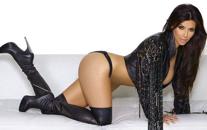 Kim Kardashian en extra-terrestre sexy et envoutante !